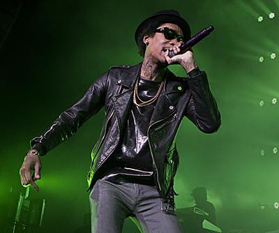 Wiz-Khalifa-performing